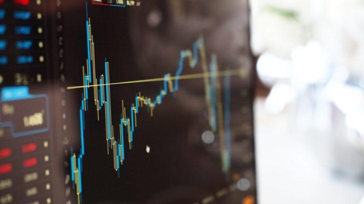 スマートベータ理論とは?インデックス投資に勝つ投資方法は実在する!?